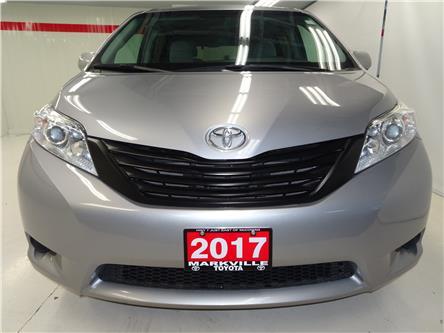 2017 Toyota Sienna 7 Passenger (Stk: 36585U) in Markham - Image 2 of 21