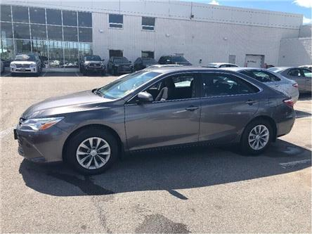 2017 Toyota Camry LE (Stk: U2758) in Vaughan - Image 2 of 18