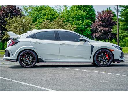 2018 Honda Civic Type R Base (Stk: T6705) in Niagara Falls - Image 2 of 14