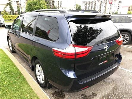 2019 Toyota Sienna LE (Stk: 69359A) in Vaughan - Image 2 of 22