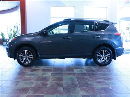 2018 Toyota RAV4 XLE (Stk: 195921) in Kitchener - Image 2 of 32