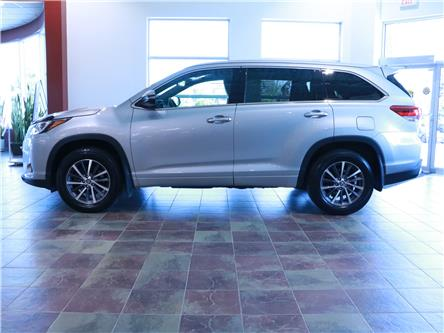 2018 Toyota Highlander XLE (Stk: 195925) in Kitchener - Image 2 of 34