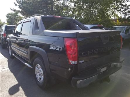 2005 Chevrolet Avalanche 1500  (Stk: W0174A) in Burlington - Image 2 of 9