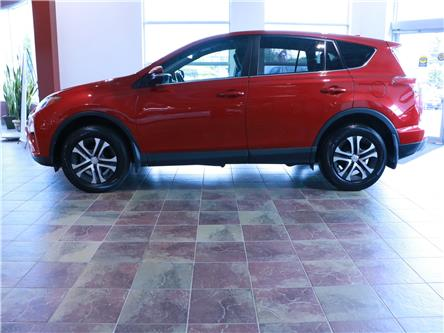 2016 Toyota RAV4 LE (Stk: 195893) in Kitchener - Image 2 of 29