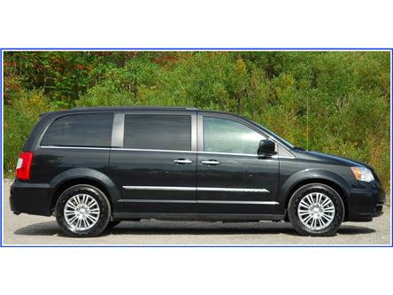 2015 Chrysler Town & Country Touring-L (Stk: 9F5980C) in Kitchener - Image 2 of 19