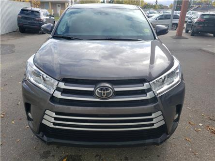 2018 Toyota Highlander LE (Stk: 15965) in Fort Macleod - Image 2 of 18