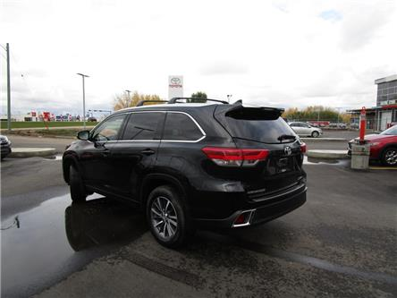2017 Toyota Highlander XLE (Stk: 1992011) in Moose Jaw - Image 2 of 29