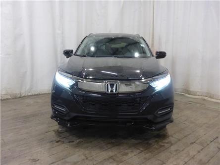 2019 Honda HR-V Touring (Stk: 1990080) in Calgary - Image 2 of 24