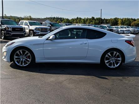 2016 Hyundai Genesis Coupe 3.8 R-Spec (Stk: 10555) in Lower Sackville - Image 2 of 14