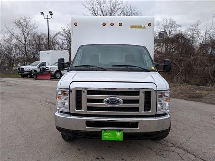 2017 Ford E-350 Cutaway Base (Stk: DOM-C54728) in Burlington - Image 2 of 26