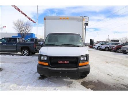 2014 GMC Savana Cutaway 3500 1WT (Stk: 173540) in Medicine Hat - Image 2 of 21