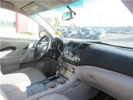 2012 Toyota Highlander V6 (Stk: 9697) in Okotoks - Image 2 of 29