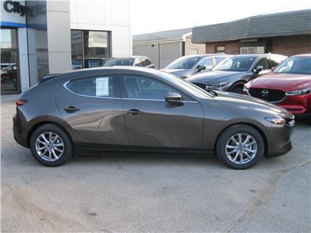 2020 Mazda Mazda3 Sport GX (Stk: 20000) in Stratford - Image 2 of 7