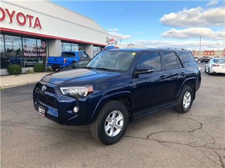 2017 Toyota 4Runner SR5 (Stk: 1909831) in Cambridge - Image 2 of 12