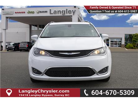 2018 Chrysler Pacifica Touring-L Plus (Stk: EE911010) in Surrey - Image 2 of 23