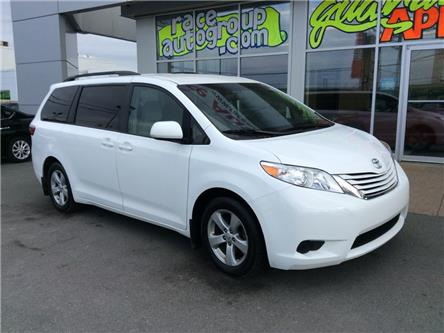 2017 Toyota Sienna LE 8 Passenger (Stk: 17039) in Dartmouth - Image 2 of 15