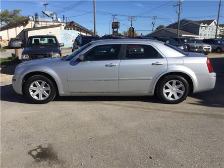 2005 Chrysler 300 Base (Stk: -) in Winnipeg - Image 2 of 16