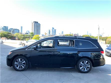 2017 Honda Odyssey Touring (Stk: R19032A) in Toronto - Image 2 of 32