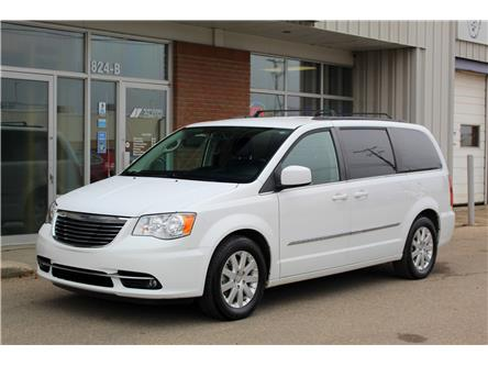 2014 Chrysler Town & Country Touring (Stk: 387113) in Saskatoon - Image 1 of 24