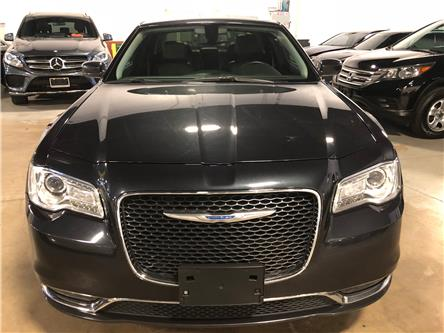 2017 Chrysler 300 Touring (Stk: W0592) in Mississauga - Image 2 of 25