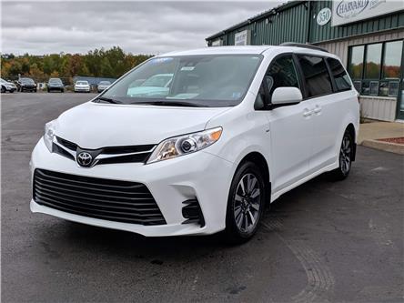 2019 Toyota Sienna LE 7-Passenger (Stk: 10569) in Lower Sackville - Image 1 of 17