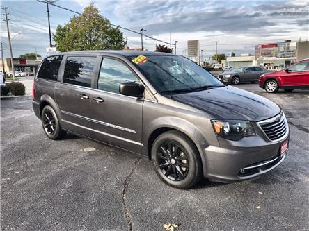 2015 Chrysler Town & Country S (Stk: 191565A) in Windsor - Image 1 of 13