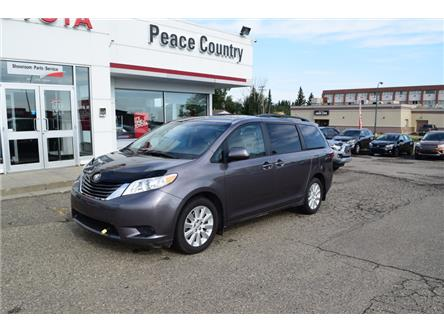 2015 Toyota Sienna LE 7 Passenger (Stk: PO1807) in Dawson Creek - Image 1 of 13