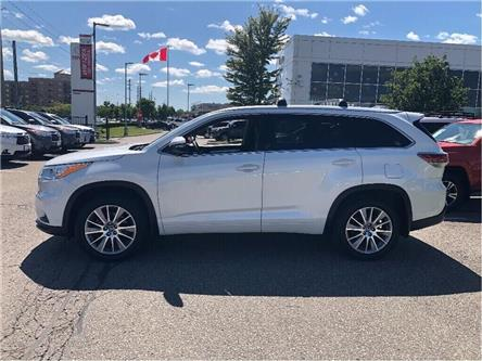 2016 Toyota Highlander XLE (Stk: U2792) in Vaughan - Image 2 of 30