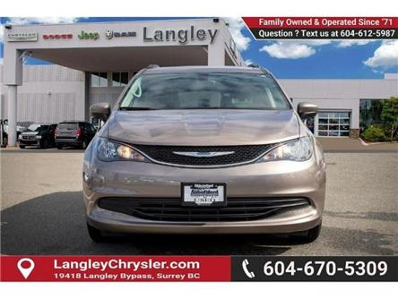 2017 Chrysler Pacifica Touring (Stk: EE910970) in Surrey - Image 2 of 21