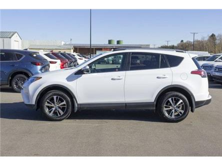 2018 Toyota RAV4 LE (Stk: V1038) in Prince Albert - Image 2 of 11