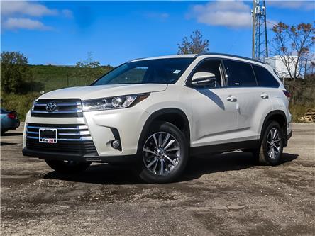 2019 Toyota Highlander XLE (Stk: 95617) in Waterloo - Image 1 of 22