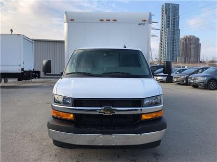 2019 Chevrolet 4500 New 2019 Chev. 4500 Cube-Van W/Side Door (Stk: ST95243) in Toronto - Image 2 of 15