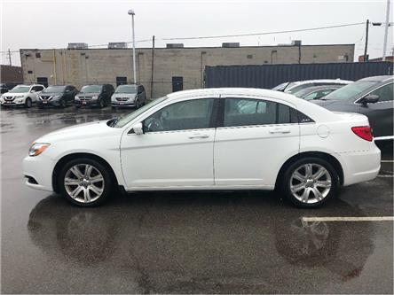 2013 Chrysler 200 Touring (Stk: P2486A) in St. Catharines - Image 2 of 4