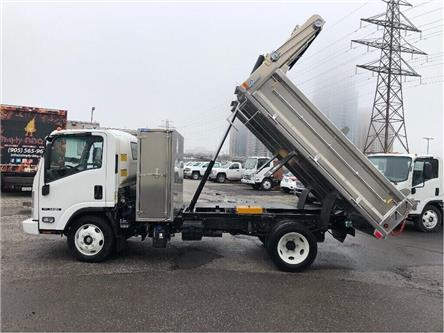 2019 Isuzu NRR New 2019 Isuzu With Dump & Limited Slip Rear Axle (Stk: DTI95047) in Toronto - Image 2 of 16