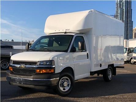 2019 Chevrolet Express 3500 New 2019 Chev. Express SRW Cube-Van (Stk: ST951007) in Toronto - Image 1 of 17