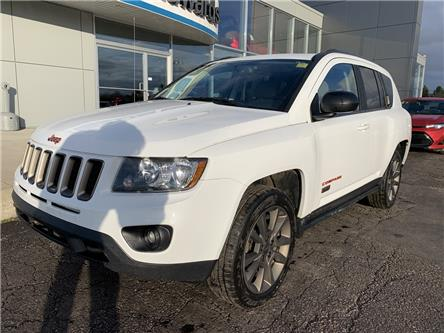 2017 Jeep Compass Sport/North (Stk: 22097) in Pembroke - Image 2 of 8