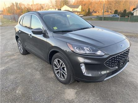 2020 Ford Escape SEL (Stk: 20T009) in Quesnel - Image 1 of 15