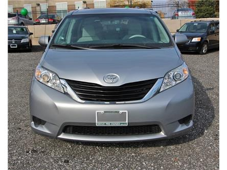 2014 Toyota Sienna LE 8 Passenger (Stk: D0118A) in Leamington - Image 2 of 29