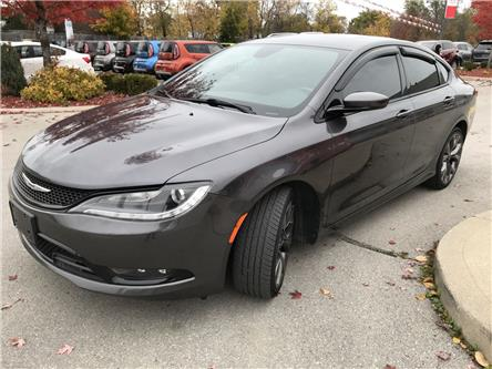 2015 Chrysler 200 S (Stk: ST19013A) in Hamilton - Image 2 of 30
