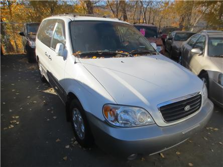 2003 Kia Sedona EX (Stk: ) in Kamloops - Image 1 of 10