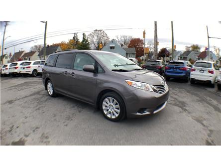 2016 Toyota Sienna LE 7 Passenger (Stk: 135797) in Ottawa - Image 2 of 24