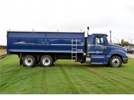 2009 Freightliner Columbia Grain truck  (Stk: M7504) in Watrous - Image 2 of 24