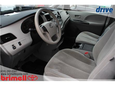 2014 Toyota Sienna LE 7 Passenger (Stk: 10084) in Scarborough - Image 2 of 16