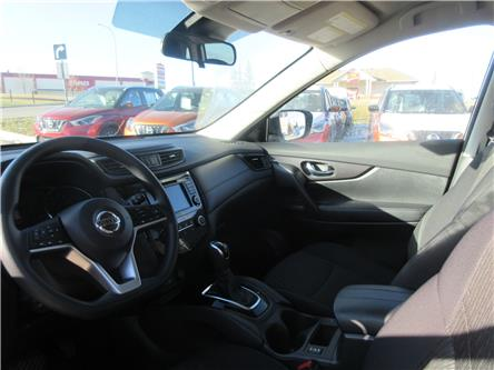 2019 Nissan Rogue SV (Stk: 9822) in Okotoks - Image 2 of 27