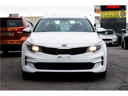 2017 Kia Optima LX (Stk: T91136) in Chatham - Image 2 of 28