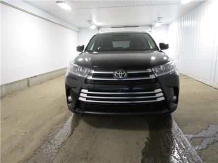 2017 Toyota Highlander Limited (Stk: 1936691) in Regina - Image 2 of 40