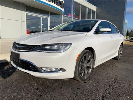2015 Chrysler 200 C (Stk: 22157) in Pembroke - Image 2 of 11
