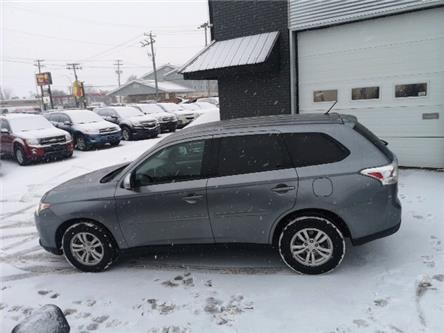 2014 Mitsubishi Outlander SE (Stk: -) in Winnipeg - Image 2 of 14