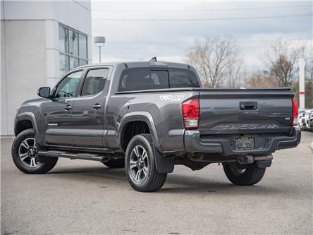 2017 Toyota Tacoma SR5 (Stk: TUN6887A) in Welland - Image 2 of 24