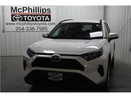 2020 Toyota RAV4 LE (Stk: C065247) in Winnipeg - Image 2 of 21